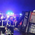 Germania. Doi șoferi români de TIR au băgat 9 pompieri în carantină, după ce au fost salvați dintr-un accident cumplit