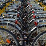 Austria. Zeci de biciclete scumpe furate de doi români, găsite într-o casă din Krems. Multe dintre ele erau deja demontate și gata de dus în România